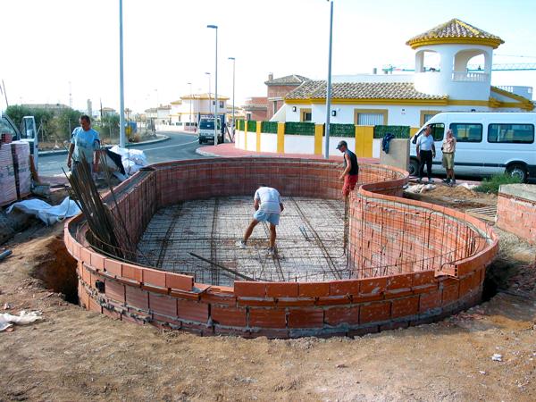 Piscinas y ocio escribano piscinas construcci n en gresite for Fabricacion de piscinas de hormigon